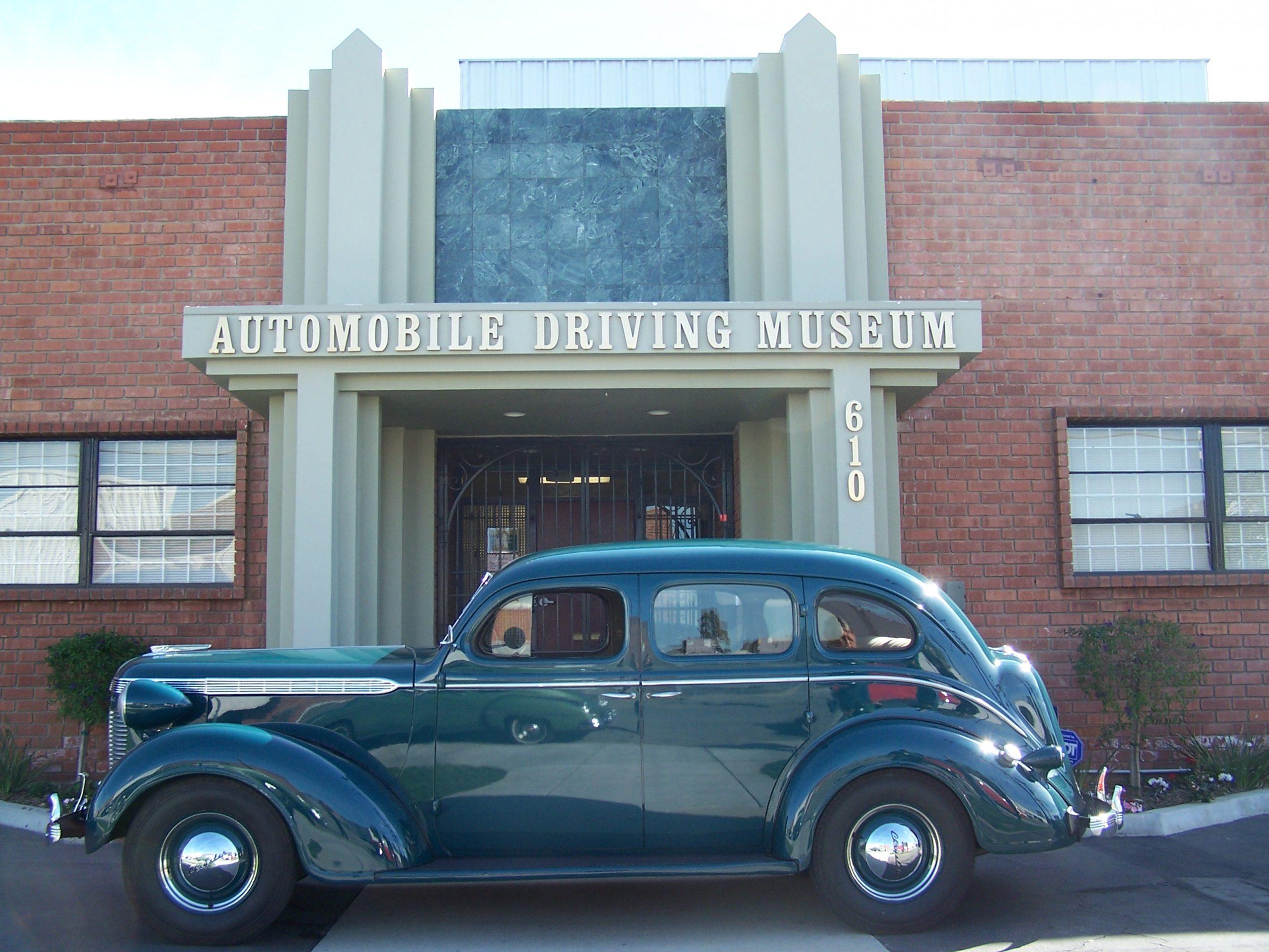1937 Chrysler Royale 4 door for rent